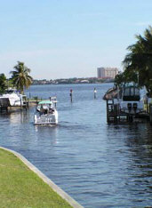 Cape Coral Canal Access to Caloosahatchee River